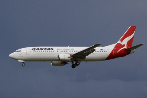 Qantas (Jetconnect) 737-400 ZK-JTQ (note the NZ registration)
