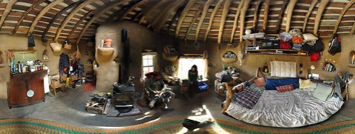 Cob house panorama interior 2