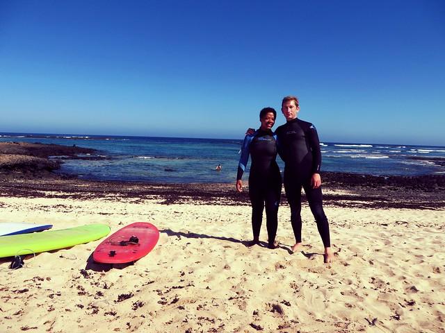 surfing in corralejo, punta blanca surf beach, surfing fuerteventura