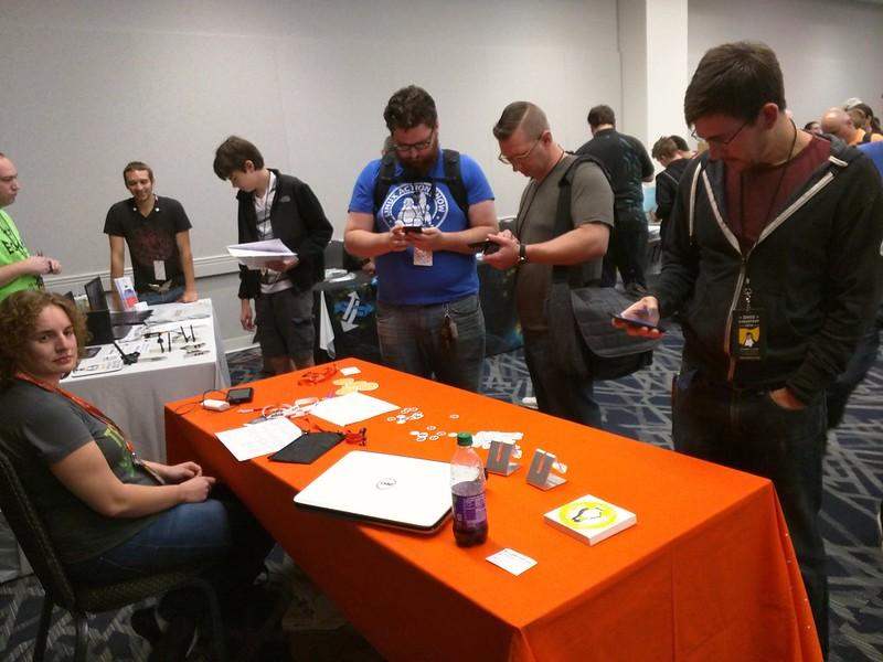 People love the #Ubuntu devices #ohiolinux