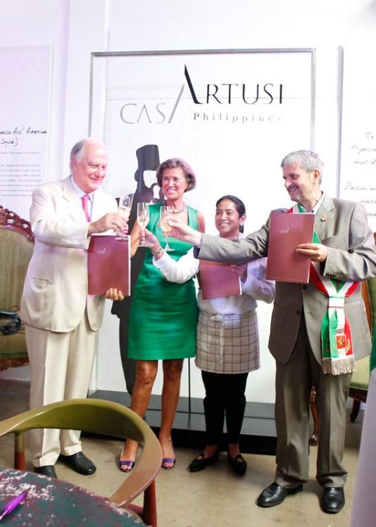 Margarita Fores awarded by Casa Artusi