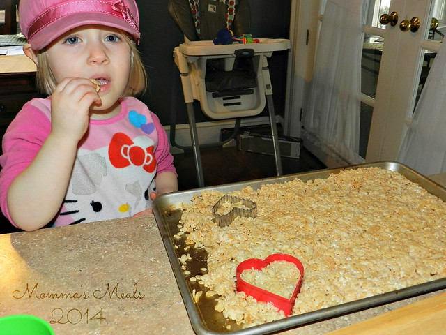 Heart Rice Crispy Treats (2)