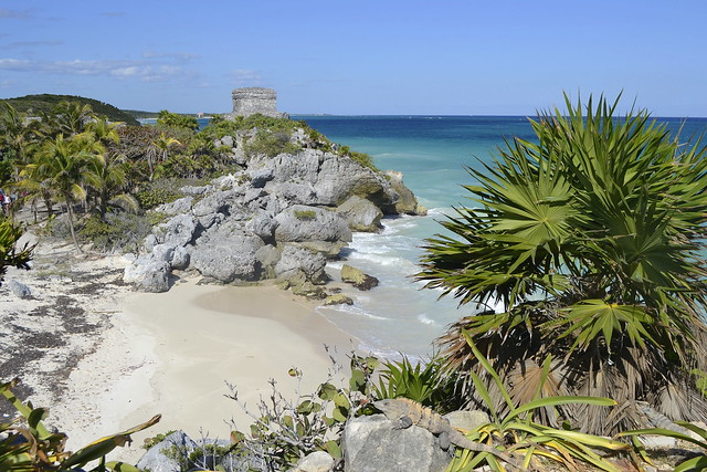 Cancun alternatives _ Tulum ruins cliff beach