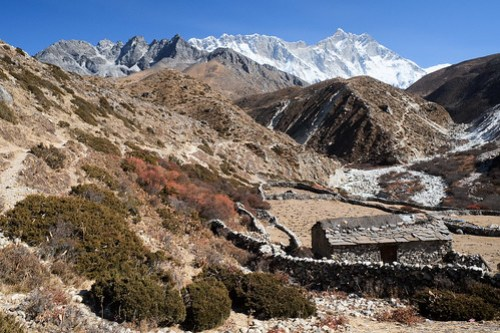 Valley. Dingboche to Phortse