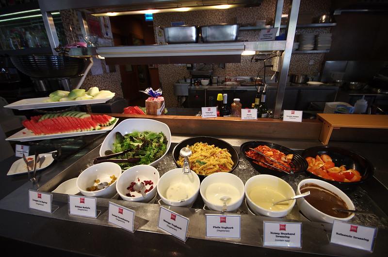 breakfast at ibis singapore novena