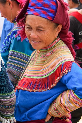 Hmong woman. Bac Ha market