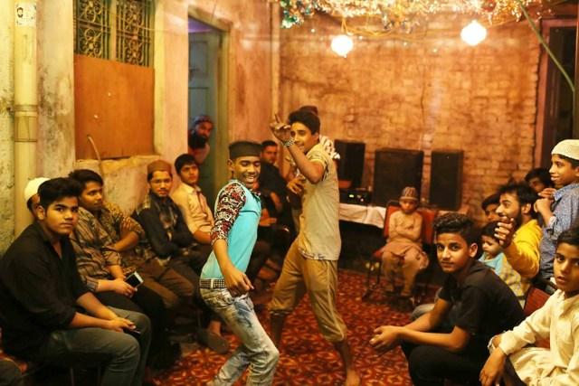 City Moment – Post-Performance Shyness, Galli Shiv Prasad Master