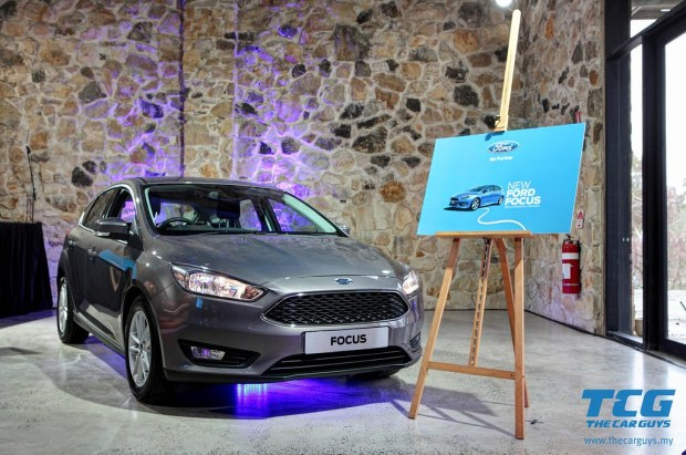 2015 Ford Focus Drive (38)