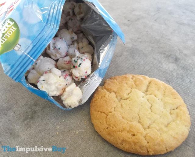 Cracker Jack Holiday Sugar Cookie Popcorn 2