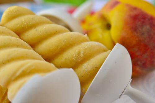 Peach-Vanilla Cream Pops 063