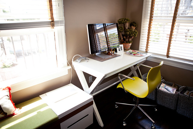 6090913674 610473c8f2 z LA Home Office by Garrett Murray | Featured Workspace