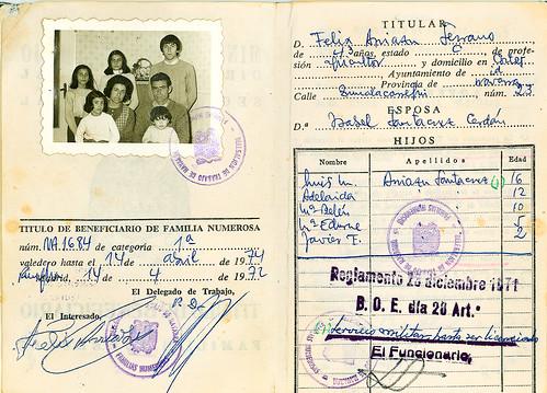 Certificado de familia numerosa con foto