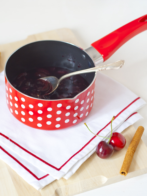 mulled wine cherry sauce