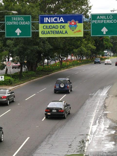 Inicia Ciudad de Guatemala by Rudy A. Girón