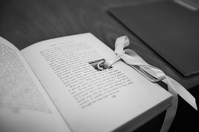 Book ring holder