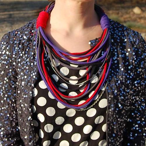T-Shirt Necklace DIY