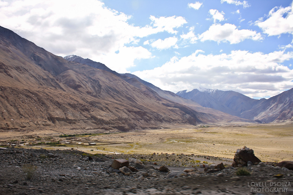 To Pangong Tso (Lake)