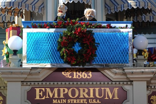 STATLER AND WALDORF FROM 'THE MUPPETS' STAR IN DISNEY PARKS CHRISTMAS DAY PARADE TV SPECIAL