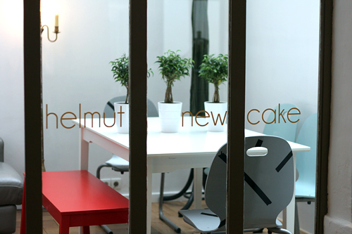 Helmut Newcake patio