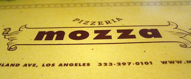 mozza's pizza logo