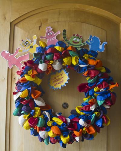 YGG Balloon Wreath