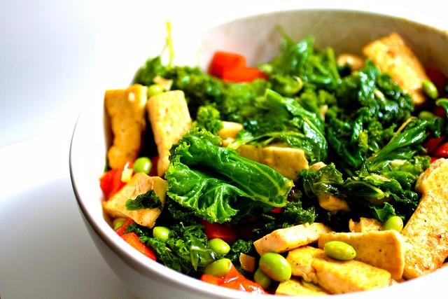 spicy kale + tofu stir-fry!