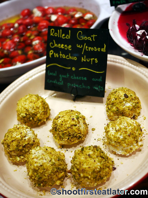 rolled goat cheese with crushed pistachio nuts