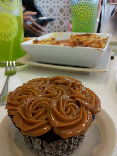 yema chocolate cupcake