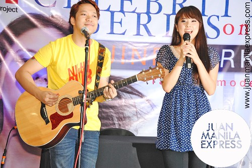 "Jinri Park with Eevee singing an acoustic version of ""Nobody""."