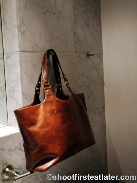 Zaytinya's bathroom-001