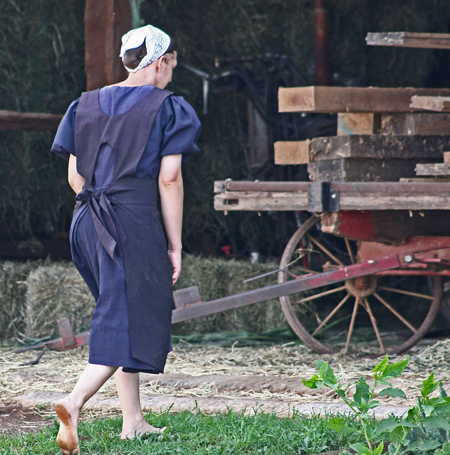 pretty amish women barefoot