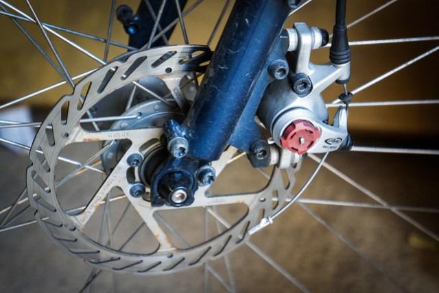 Kona Sutra 2012: Front disc brake