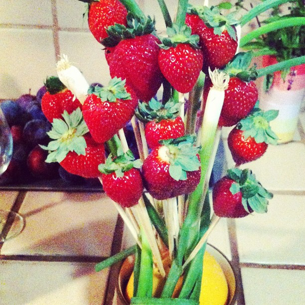 Fruit bouquet by @dbk1978 with strawberries, green onions and grapefruit