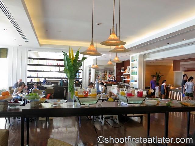 breakfast buffet at Acqua, Shangri-La Mactan-002