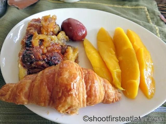 Shangri-La Mactan breakfast buffet at Tides-018