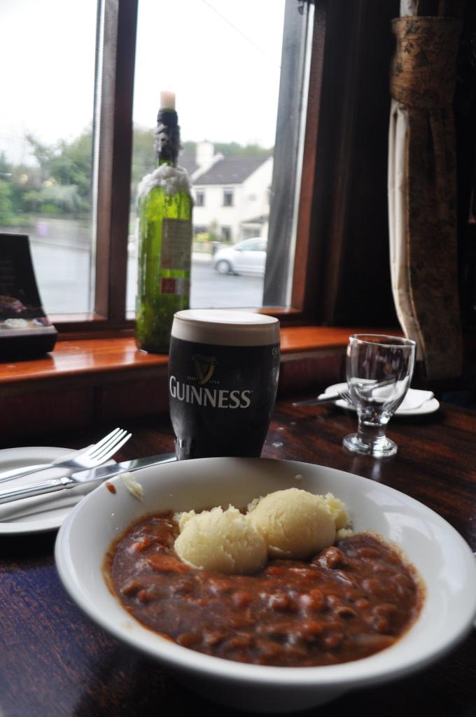 Biddy's Guinness Beef Stew at Jake's Bar at Lynhams Hotel