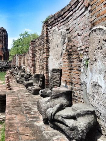 Buddha Statuen im Wat Mahathat