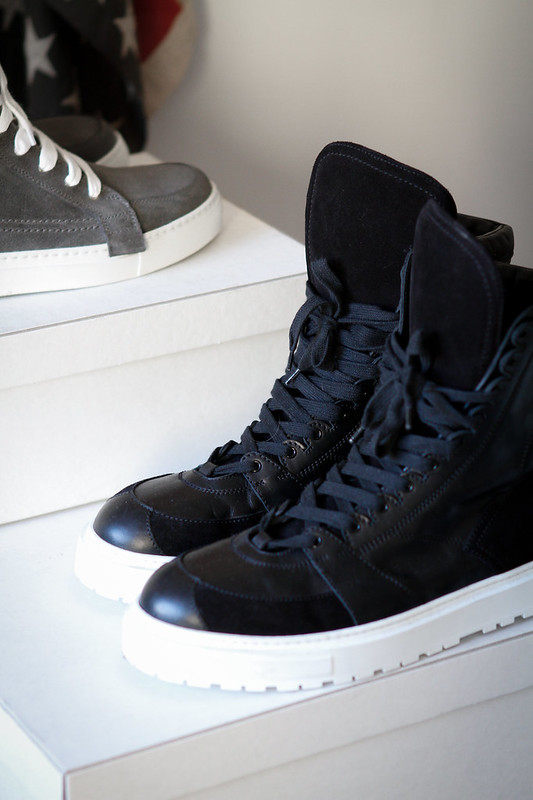 Tuukka13 - New Kris Van Assche High-Top Sneakers in Black With Oversized Tongue and Commando Sole -4