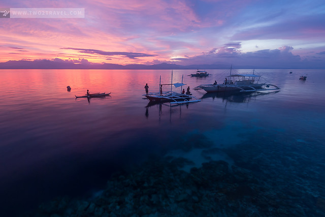 Sunset at Panagsama Beach, Moalboal, Cebu | Two2Travel.com
