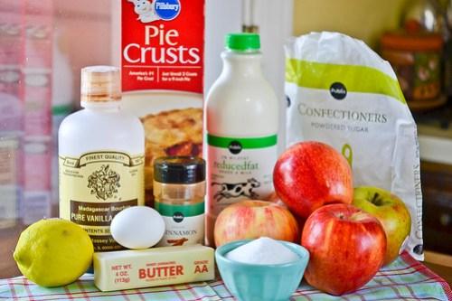 Cinnamon Bun Apple Pie-1