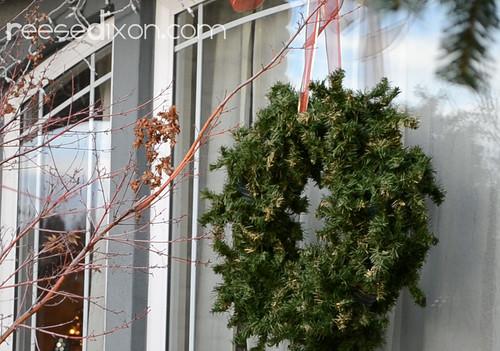 Outdoor Wreath Tutorial