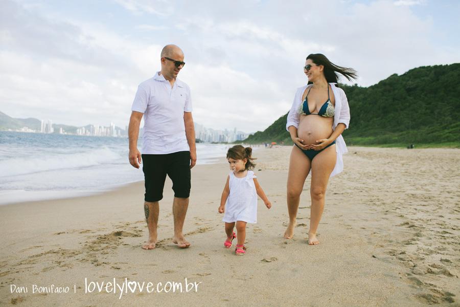danibonifacio-lovelylove-fotografia-gestante-gravida-praia-ensaio-foto-book-balneariocamboriu-familia-infinityblue-4