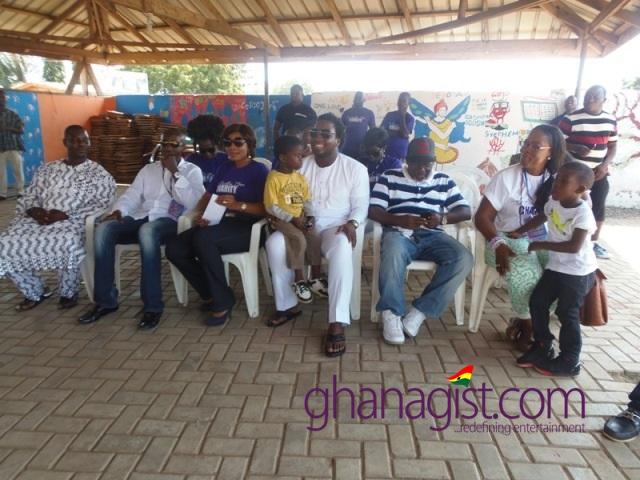 Sonnie Badu celebrates birthday at four Orphanages Home (18)