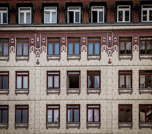 "Berliner Architekturdetails • <a style=""font-size:0.8em;"" href=""http://www.flickr.com/photos/91404501@N08/29813786096/"" target=""_blank"">View on Flickr</a>"