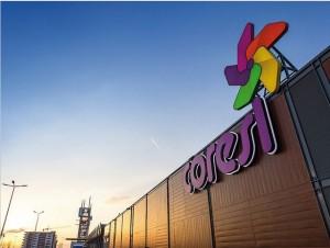 Peste 1 milion de vizitatori au trecut pragul mall-ului Coresi din Braşov în prima lună de funcţionare