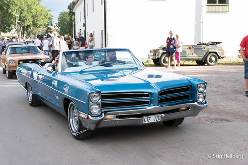 """Pontiac Catalina • <a style=""""font-size:0.8em;"""" href=""""http://www.flickr.com/photos/54582246@N08/27893790813/"""" target=""""_blank"""">View on Flickr</a>"""