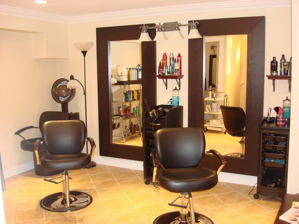 Markham Home Salon