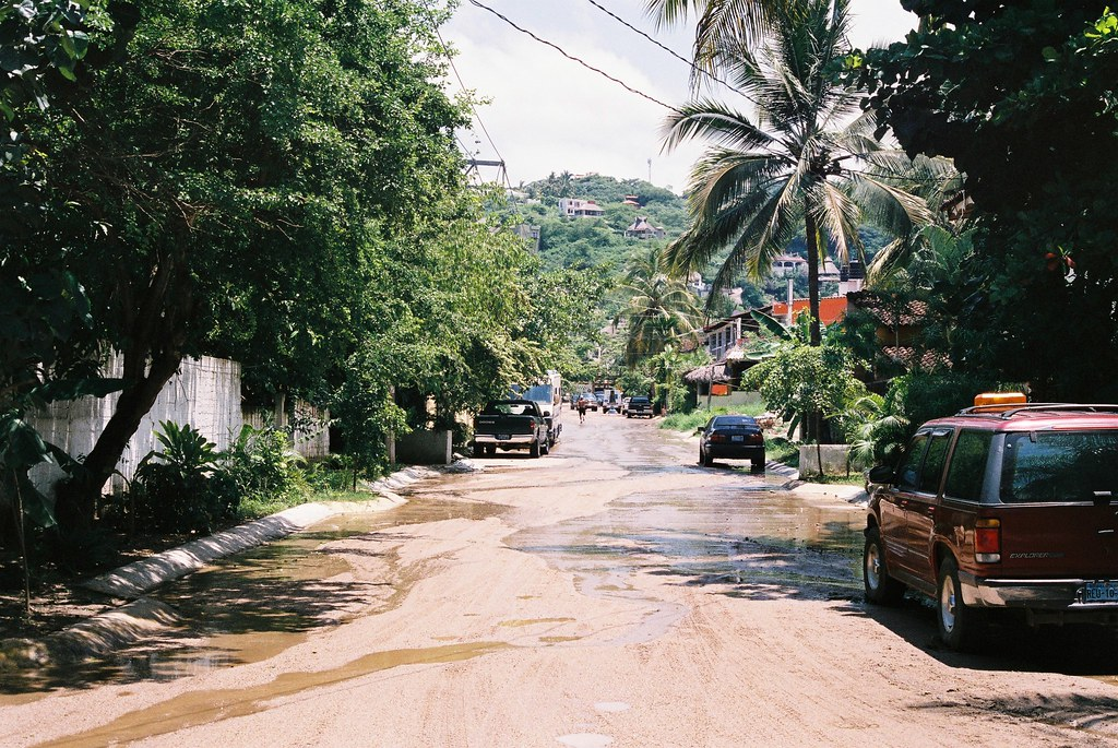 Tuukka13 - 35mm Color Film - 08/2012 - Sayulita, Mexico - Canon AE-1  - 000058