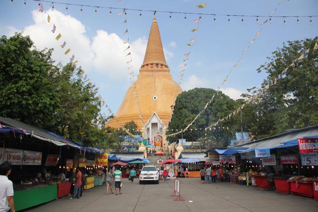 Wat Phra Pathom Chedi in Nakhon Pathom