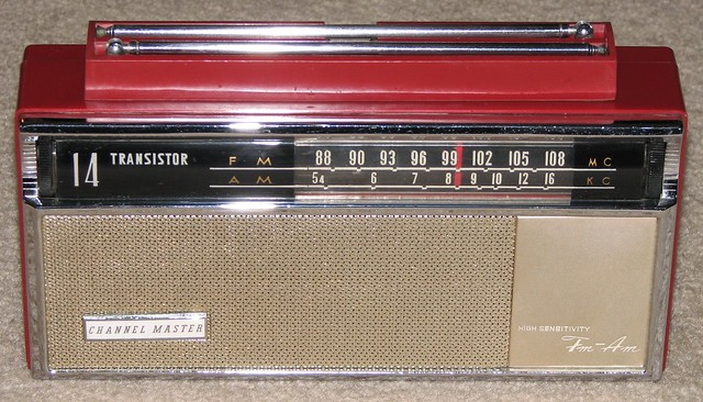 Vintage Channel Master Two-Band (AM/FM) Transistor Radio, Model 6518, Made in Japan